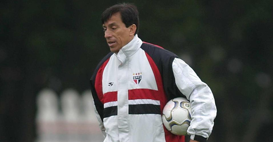Ex-técnico do São Paulo e goleiro do Chile, Rojas precisa de transplante de fígado para curar hepatite (foto de 2003)