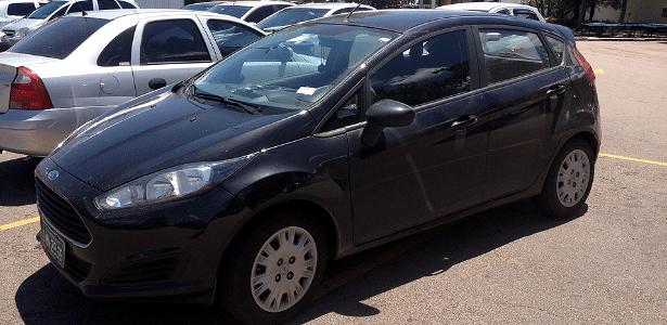 New Fiesta hatch nacional, básico e com calota, é visto em estacionamento no interior paulista - Edgard Luiz Citrangolo/UOL