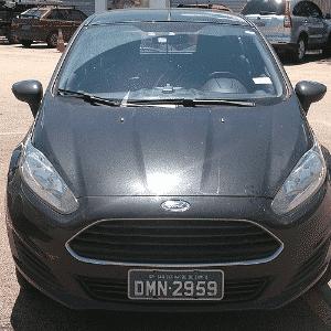 Ford New Fiesta hatch básico é visto em estacionamento próximo a rodovia paulista - Edgard Luiz Citrangolo/UOL