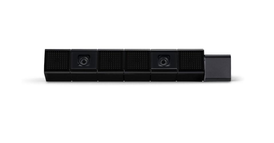 No detalhe, a câmera PlayStation 4 Eye.