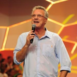 """Pedro Bial é o apresentador do """"Big Brother Brasil"""" desde sua estreia, em 2002"""