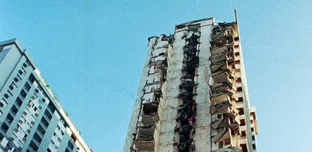 Escombros do edifício de 22 andares Palace 2, que desabou há 20 anos - Ana Carolina Fernandes - 22.fev.1998/Folha Imagem