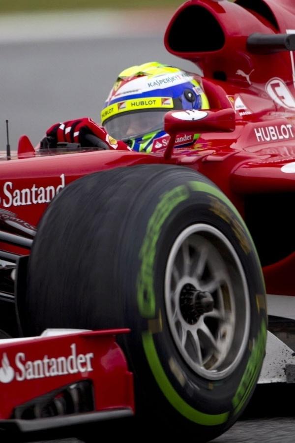 22.fev.2013 - Em seu primeiro e único dia de testes em Barcelona, Felipe Massa teve dificuldades