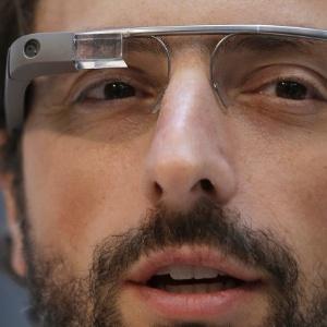 Cofundador do Google Sergey Brin usa o Google Glass durante evento em São Francisco (EUA) - Jeff Chiu/AP