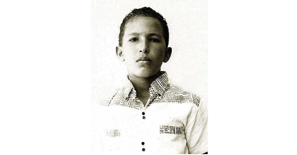 Fotos antigas de Chávez, divulgadas pela TV Iguana