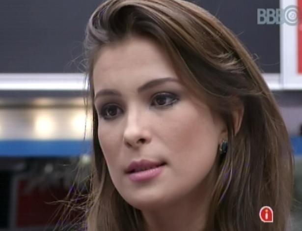Kamilla aconselha Eliéser a não revelar mensagem do Big Fone