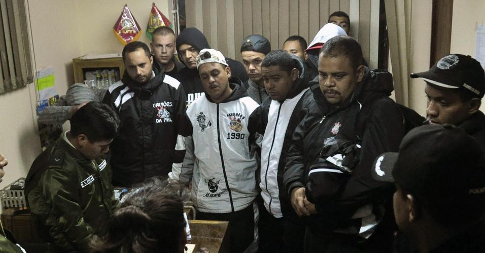 Torcedores corintianos estão presos na Bolívia acusados de participação na morte do jovem boliviano