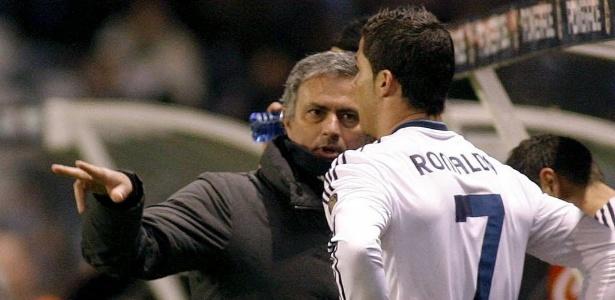 Cristiano e Mourinho nos tempos de Real Madrid; técnico ficou em cima do muro