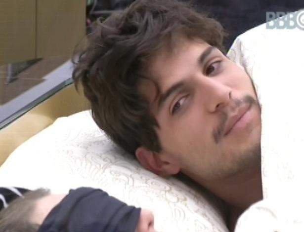 24.fev.2013 - André fala para Fernanda que Kamilla é a