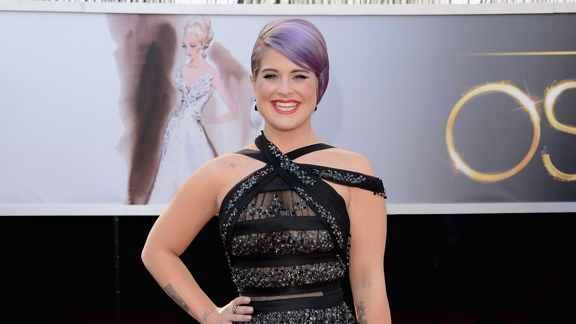 24.fev.2013 - Kelly Osbourne chega para cerimônia do Oscar 2013