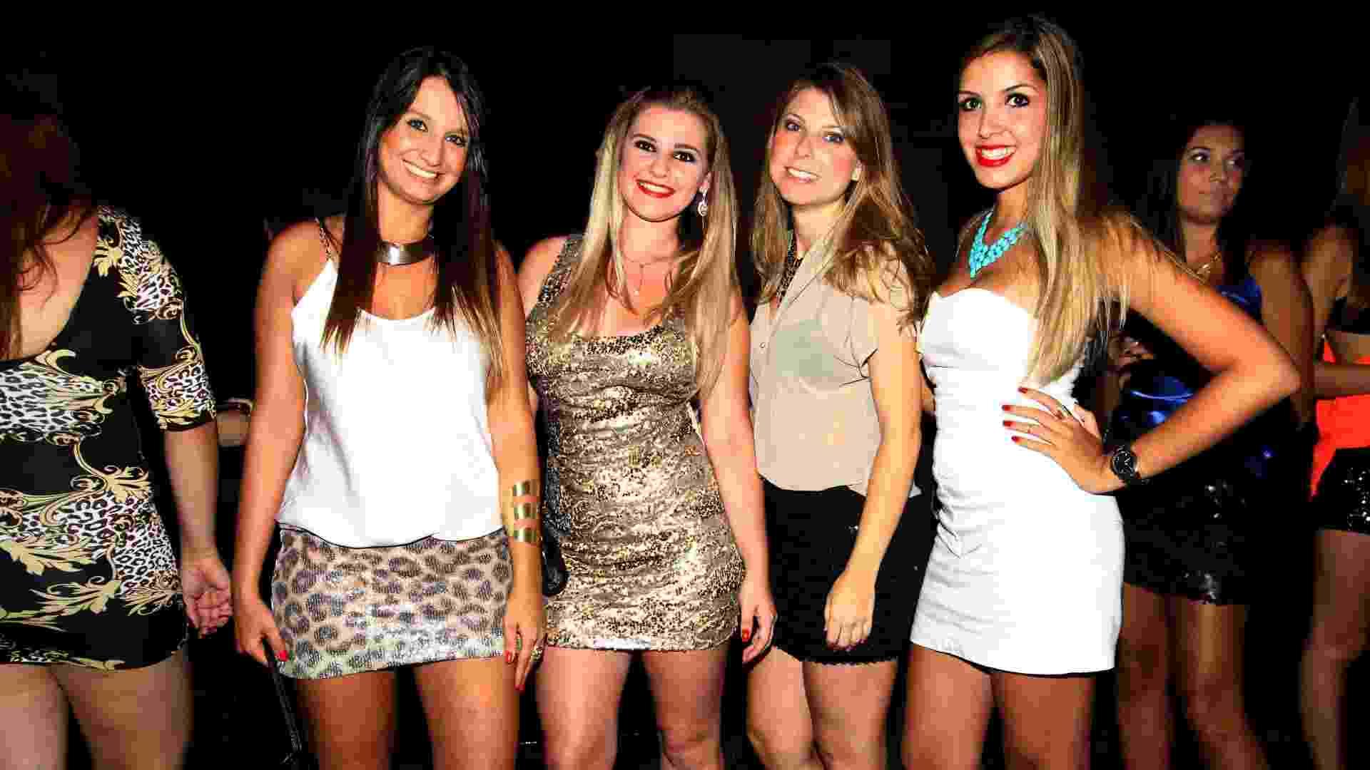 Festa reuniu anônimos, jogadores de futebol e celebridades na casa noturna Villa Mix - Edson Lopes Jr./Folhapress