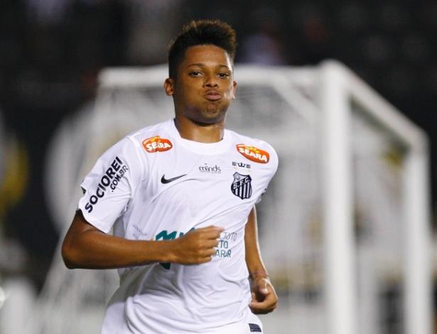 O atacante André, atualmente no Sport, em ação pelo Santos, em 2013