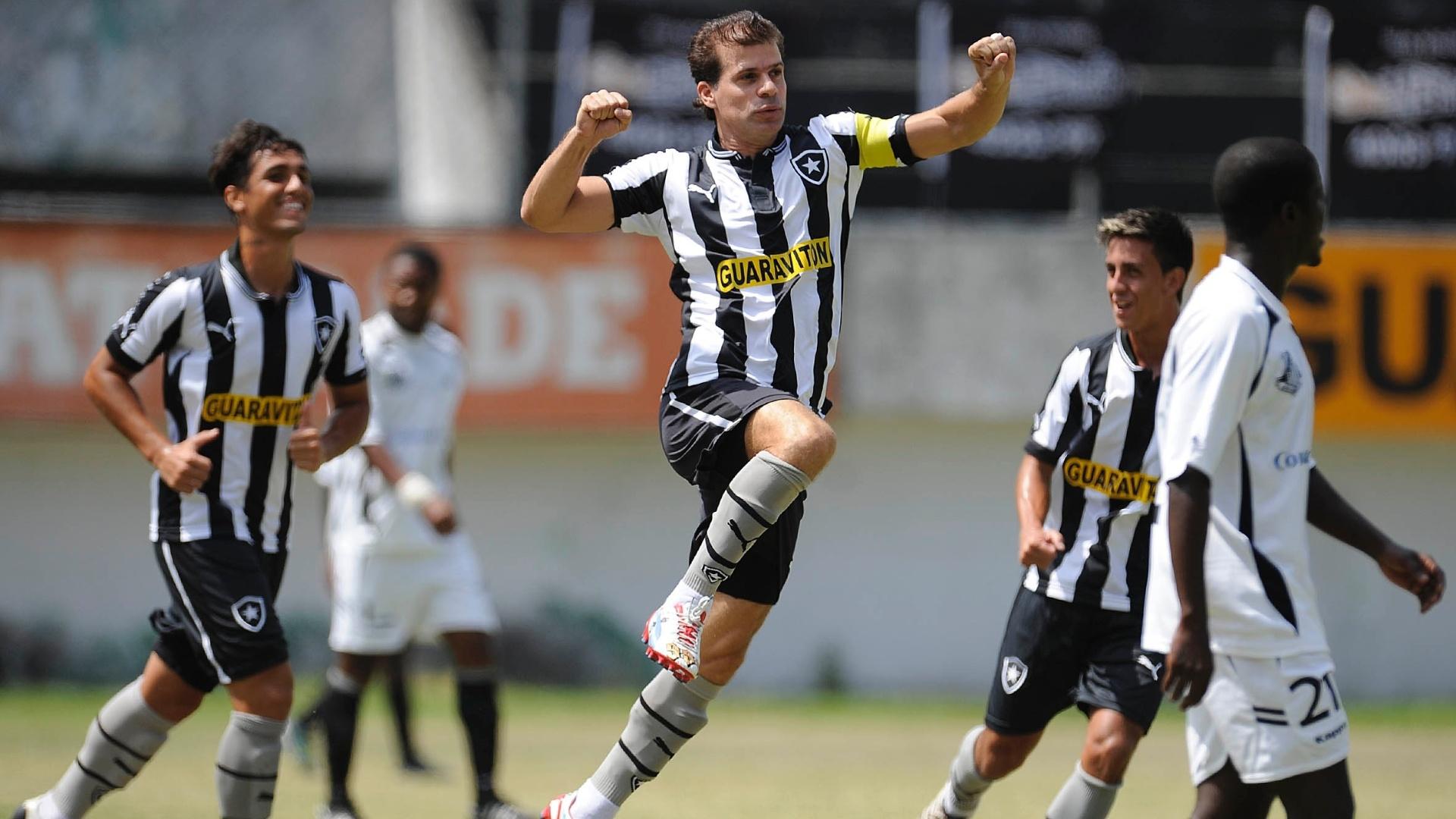 Túlio Maravilha balançou as redes em três oportunidades e está a dois do gol mil