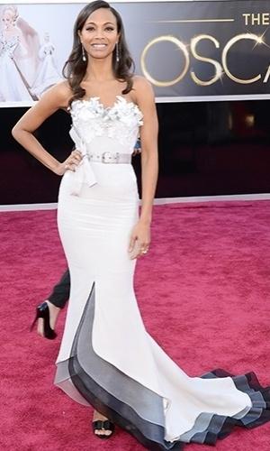 Zoe Saldana chega para o Oscar 2013, em Los Angeles (24/02/2013)