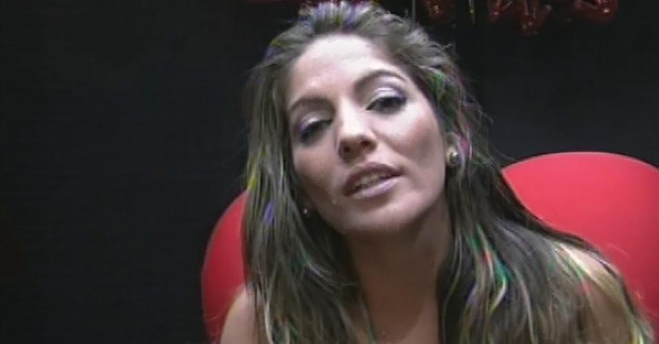 """24.fev.2013 - Anamara indica Kamilla para o sétimo paredão do """"BBB13"""" por considerar que a miss tem """"atitudes egoístas"""""""