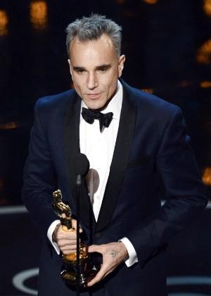 """Daniel Day-Lewis ganha seu terceiro Oscar com sua performance em """"Lincoln"""" - Getty Images"""