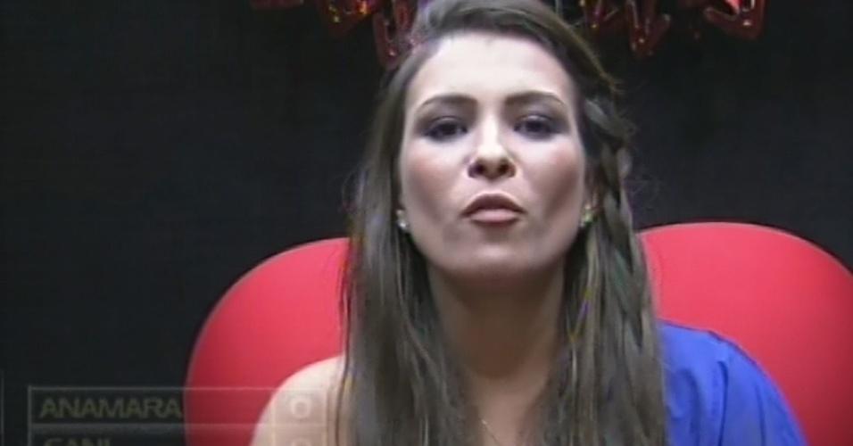 """24.fev.2013 - Kamilla vota em Nasser no sétimo paredão do """"BBB13"""" por achar que ele implica muito com ela"""