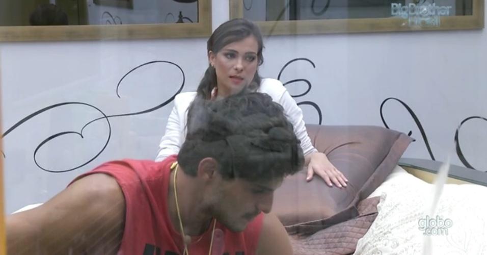 25.fev.2013 - André diz a Kamilla que Eliéser irá conversar com ela se ficar na casa