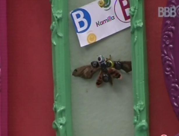25.fev.2013 - Brothers comentam borboleta fincada no mural da Kamilla; a sister disse que alfinetou o animal depois que já estava morto