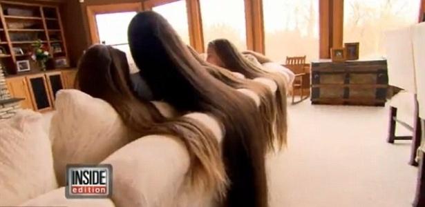 25.fev.2013 - Mãe e filhas conservam madeixas gigantescas por anos, em Chicago, nos Estados Unidos