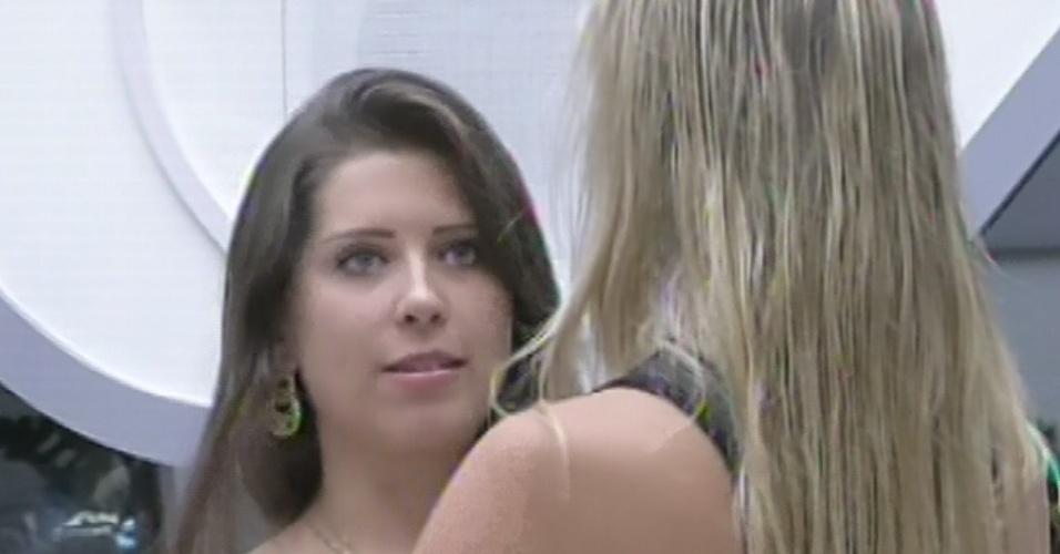 25.fev.2013 - No jogo da discórdia, Fernanda afirma estar decepcionada com Andressa por ela sentir ciúmes de Kamilla