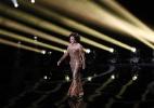 Shirley Bassey conduz no Oscar homenagem aos 50 anos de James Bond - Mario Anzuoni / Reuters