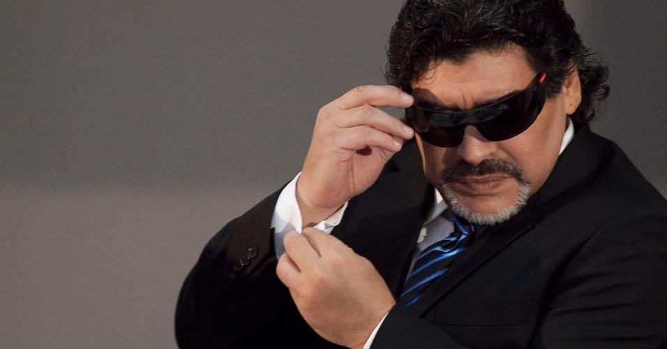 26.fev.2013 - Maradona relembrou parceria com Careca durante entrevista coletiva em Nápoles