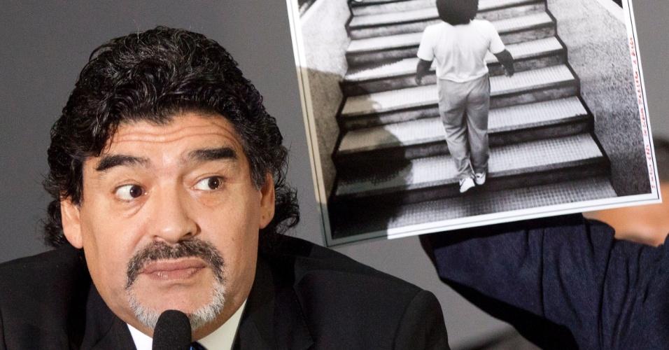 26.fev.2013 - Maradona voltou à Itália e pediu mais liberdade para visitar o país