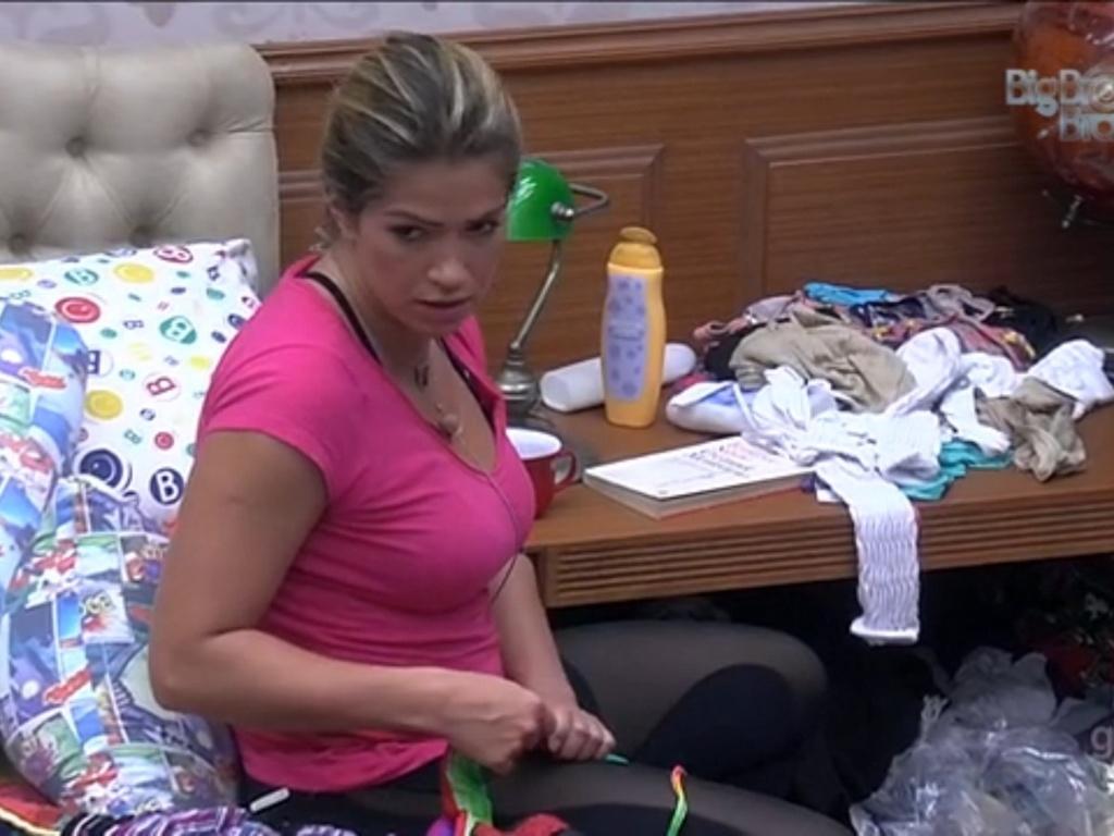 26.fev.2013 - Para Fani, Natália usou a ela e a Anamara para não virar opção de voto na casa
