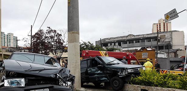 Autoridades fecham os olhos para medidas sobre sucateamento, furtos, roubos e acidentes - William Volvo/BRAZIL PHOTO PRESS