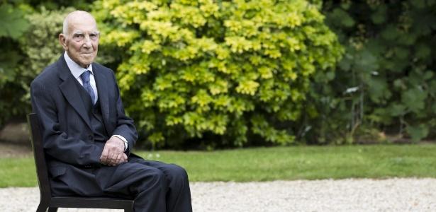 """Intelectual francês Stéphane Hessel, autor do livro """"Indignai-vos!"""" - EFE"""