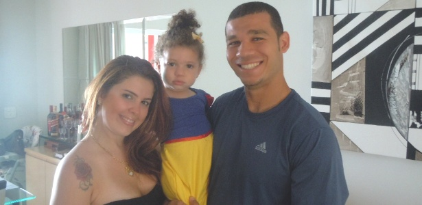 Nilton diz que mudou posicionamento nos escanteios por causa da esposa Karin Lopes