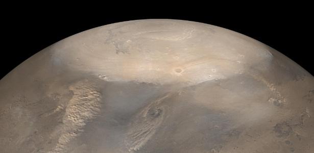 Dennis Tito, um milionário americano, procura um casal de meia idade para o seu novo projeto espacial: uma viagem de 500 para Marte, que deve ocorrer em 2018 - Nasa/JPL/Malin Space Science Systems