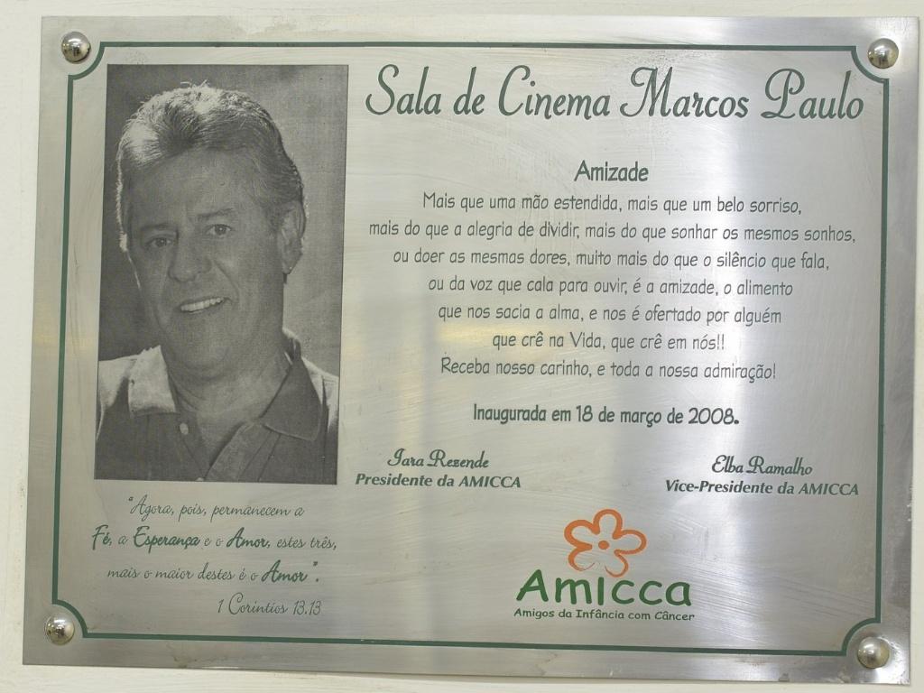 1.mar.2013 - Detalhe da placa em homenagem ao ator Marcos Paulo