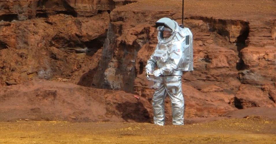 1.mar.2013 - Durante o mês de fevereiro, o Fórum Austríaco do Espaço isolou um grupo - composto por cinco astronautas, um técnico em telecomunicações, um médico e alguns mecânicos - no deserto do Marrocos para simular os efeitos de uma viagem à Marte. O local foi escolhido por ter características topográficas parecidas com as do planeta vermelho