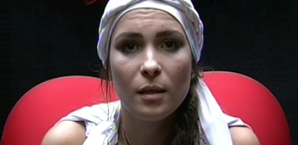 1º.mar.2013 - Kamilla fez sua defesa dizendo que quer ficar na casa para mostrar que merece estar no BBB e está vivendo intensamente a situação.