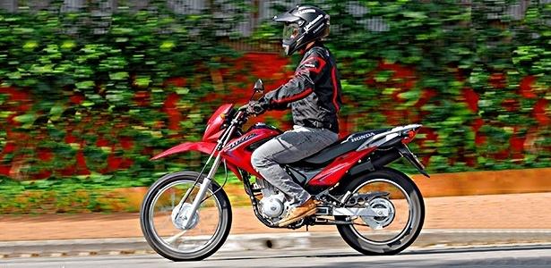Trail volta ao mercado com motor alimentado por carburador e freio a tambor; preços partem de R$ 7.190 - Doni Castilho/Infomoto