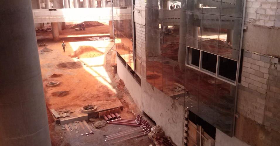 Vista da obra do Estádio Nacional Mané Garrincha no início de março de 2013