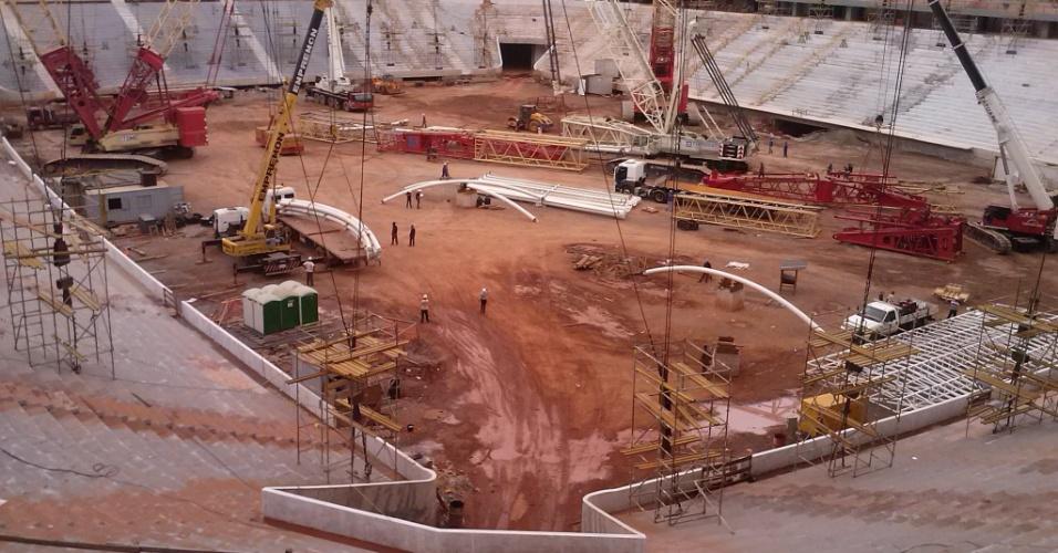 Vista do Mané Garrincha em 1º de março de 2013; para governo do DF, obra está 90% concluída