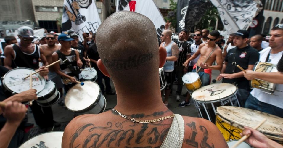 Torcedores do Corinthians se reuniram em frente ao Consulado Geral da Bolívia, em São Paulo