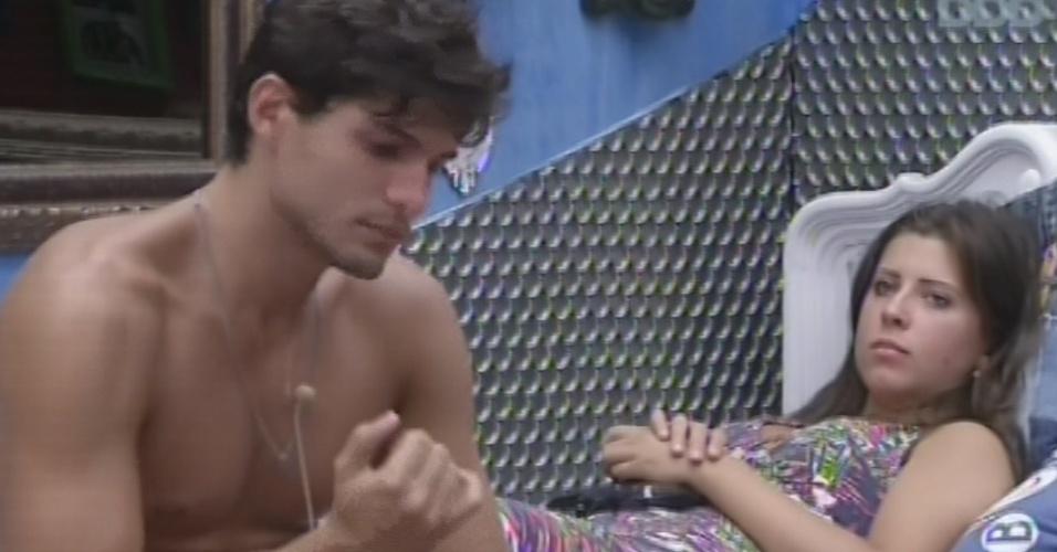 3.mar.2013 - André e Andressa especulam sobre como será escolhido o novo líder após a eliminação