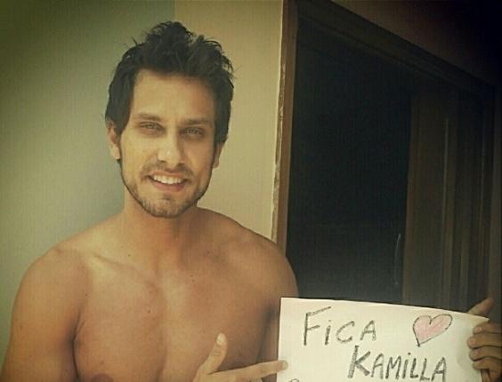 3.mar.2013 - Eliéser declara torcida e amor por Kamilla pelo twitter