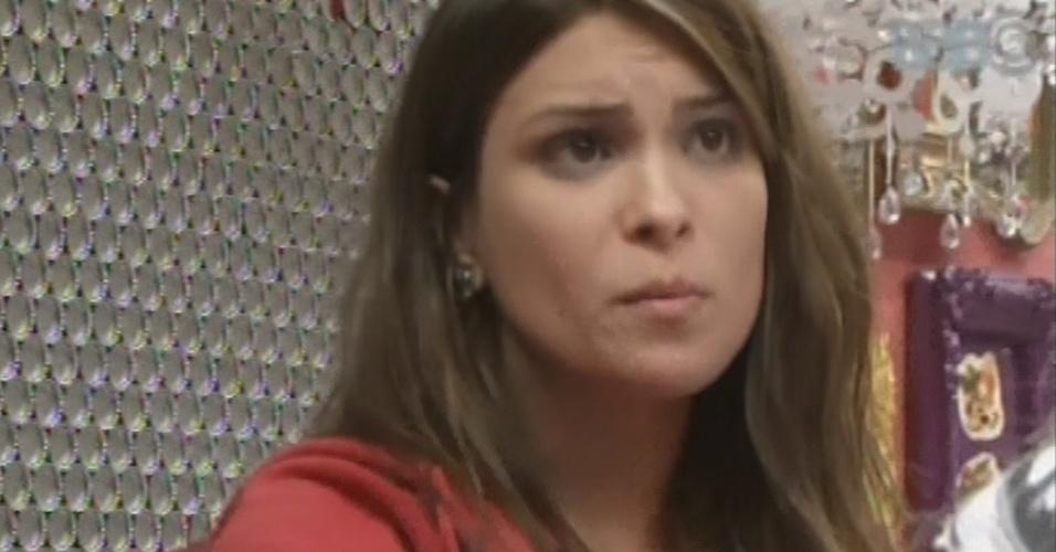 3.mar.2013 - Kamilla se irrita com Fernanda após siter conversar com Marcello