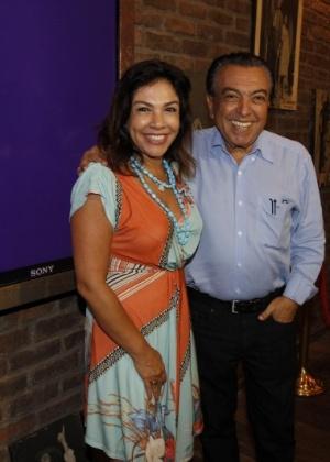 """Maurício de Sousa posa com a filha Mônica na estreia do musical """"Mônica Mundi"""" no Rio - Gil Rodrigues/FotoRio News"""