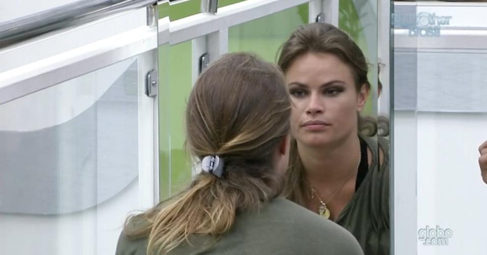 3.mar.2013 - Natália afirma que, se Marcello voltar do paredão, ele virá