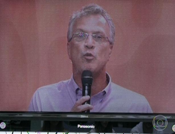 3.mar.2013 - Pedro Bial fez um discurso citando vários números e porcentagem.