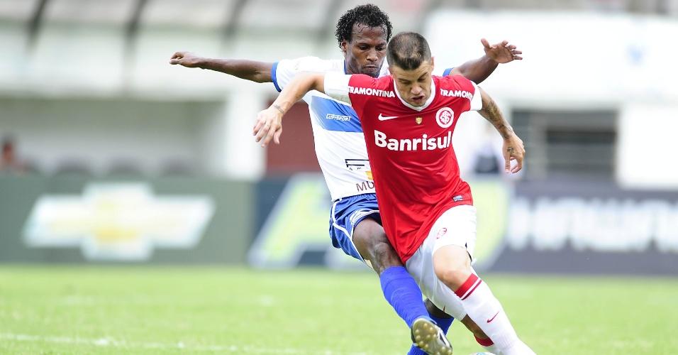 Argentino D'Alessandro participou da vitória do Internacional sobre o Esportivo, em Caxias do Sul