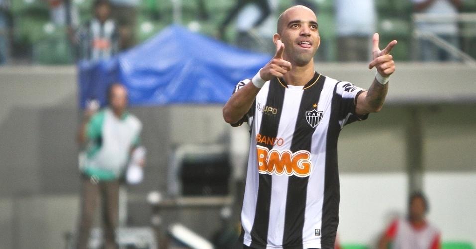 Diego Tardelli comemora gol na vitória do Atlético-MG sobre o Guarani, por 3 a 1 (3/3/2013)