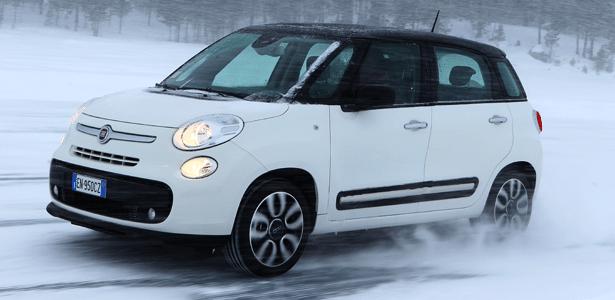 500L em ação: modelo poderia aposentar Palio Weekend e colocar Fiat na briga das minivans - Alberto Alquati/Divulgação