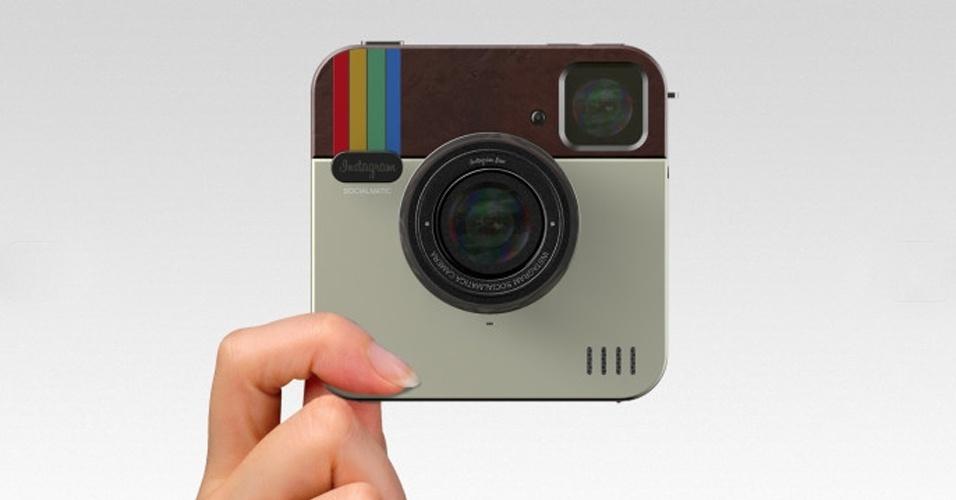 4.mar.2013 - A rede social de fotos Instagram, que já ultrapassou os 100 milhões de usuários no mundo, pode ganhar um toque mais ''real''. A Polaroid Socialmatic é uma câmera que promete captar fotos e imprimi-las instantaneamente